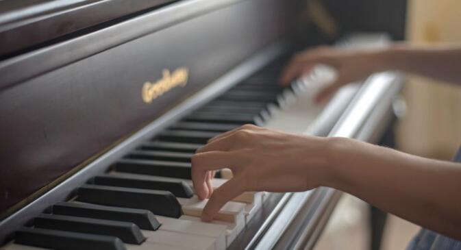 夏季钢琴日常使用注意事项