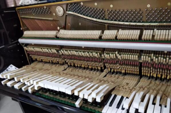 石家庄正定钢琴调律师电话15830649179