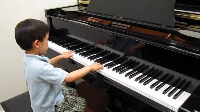 石家庄二手英昌钢琴出售电话15830649179