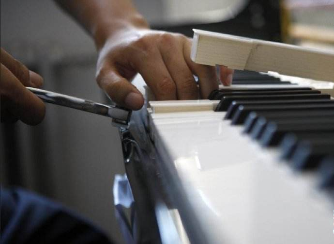 石家庄市区周边县城钢琴维修电话15830649179