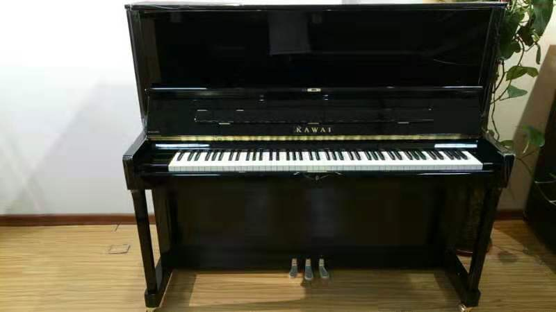 卡哇伊(KAWAI)K-600钢琴调律,三和弦钢琴调律维修工作室,服务项目包括:钢琴调律,钢琴维修,钢琴整理,钢琴补漆,钢琴外观抛光,石家庄钢琴调律维修电话:15830649179。