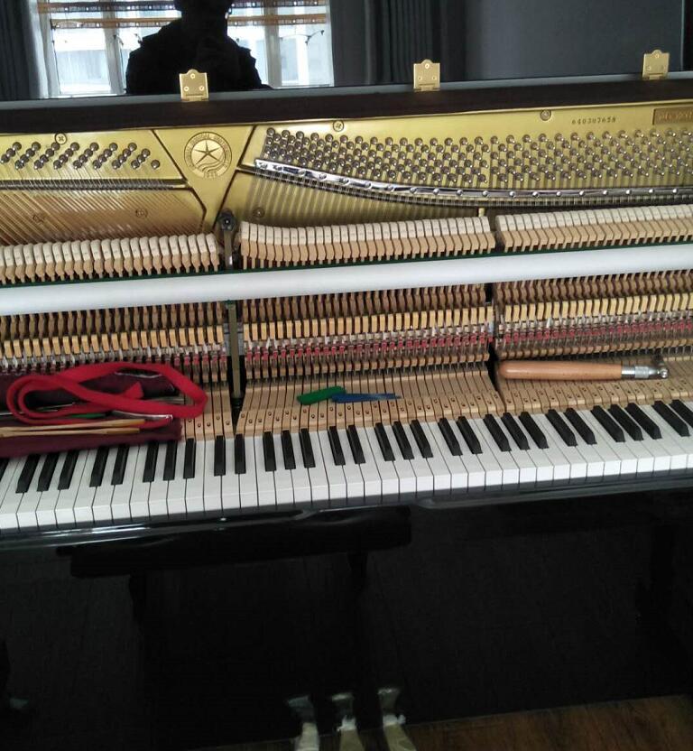 星海钢琴调律